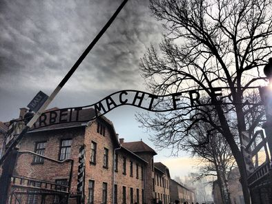 the-entrance-to-auschwitz-1-photo_11369752-fit468x296.jpg