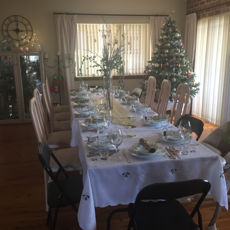plust-christmas-table